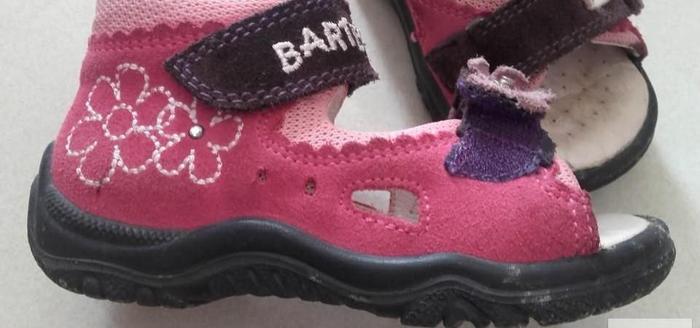 BARTEK różowe sandały
