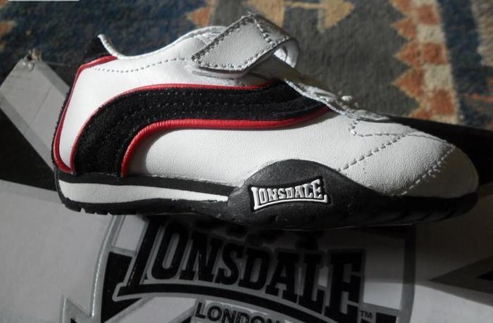 buciki lonsdale ,spodnie męskie , czapki,paski męskie,buty młodzieżowe Nowy produkt