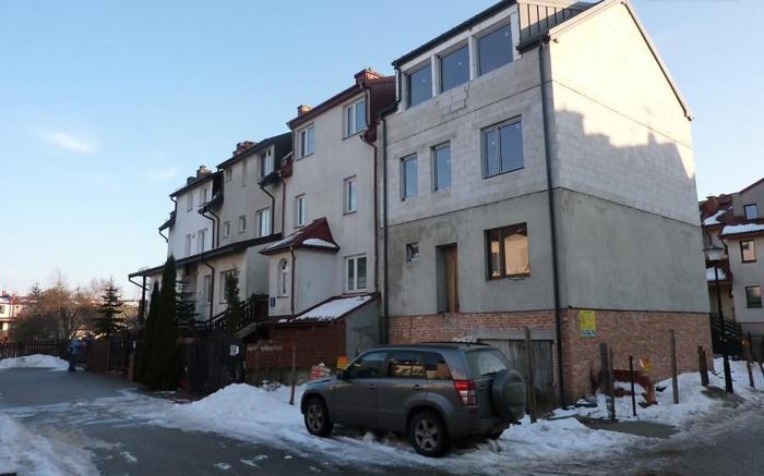 Dom Warszawa Wesoła, ul. Topazowa 6 pokoi, 3-piętrowy, 2013 rok budowy, 189 m2 działki, 1 958 PLN/ m2 mieszkalne