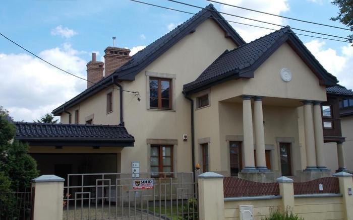 Dom Warszawa Wilanów, ul. Europejska 79 7 pokoi, 1-piętrowy, 2007 rok budowy, 852 m2 działki, 30 PLN/ m2 mieszkalne