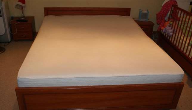 łóżko Do Sypialni 200x160 Z Pojemnikiem Prawie Nowe Sprzedaż