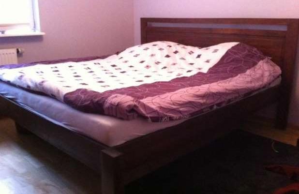 łóżko Kolonialne Drewniane Inne Meble Oraz 2 Stoliki