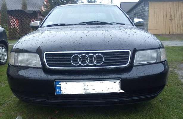 Lampy Przednie Audi a4 prawa i lewa strona !!