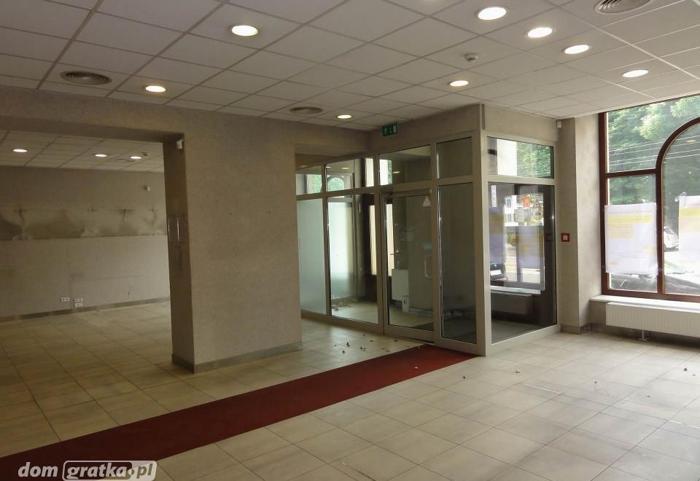 Lokal Katowice Śródmieście, ul. Warszawska 30 2 pomieszczenia, parter, 59 PLN/ m2 handel i usługi