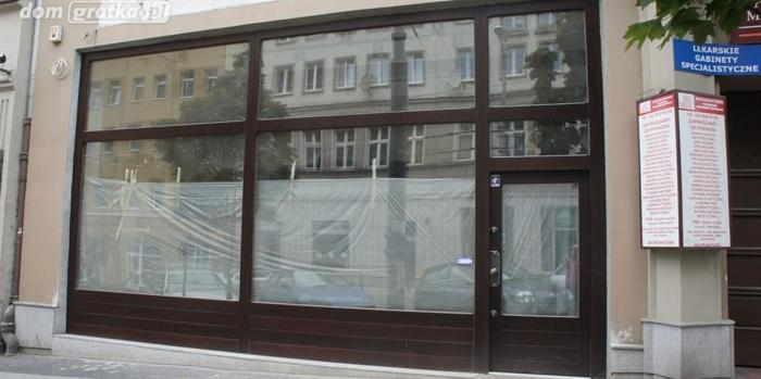 Lokal Poznań Centrum, ul. Podgórna 2 pomieszczenia, parter, 30 PLN/ m2 handel i usługi