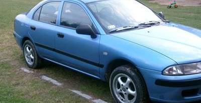 Mitsubishi Carisma1.6 16V 103KM 2000r-zamienie