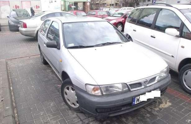 Nissan Almera 1,4 96r. Na zimówkach. Warszawa