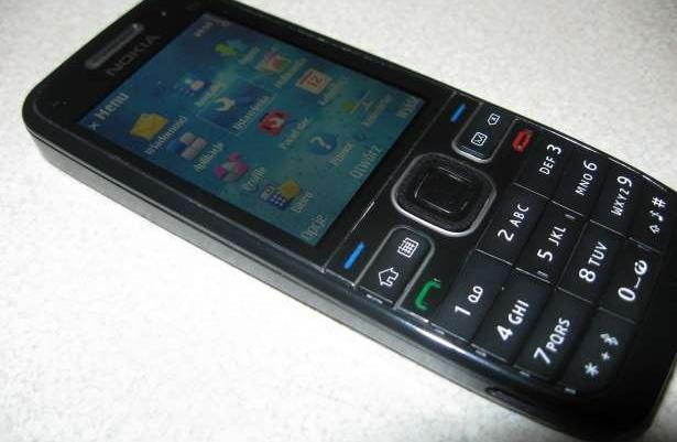 Nokia E52 bez simlocka