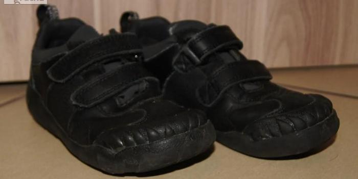 Półbuty buty chłopiec rzepy dino Clarks plus gratis rozm 26
