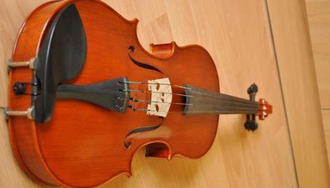 Piękna lutnicza altówka - koncertowa