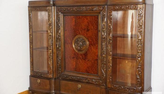 Piękna szafa-biblioteka , przedwojenna, zabytkowa, rzeźbiona