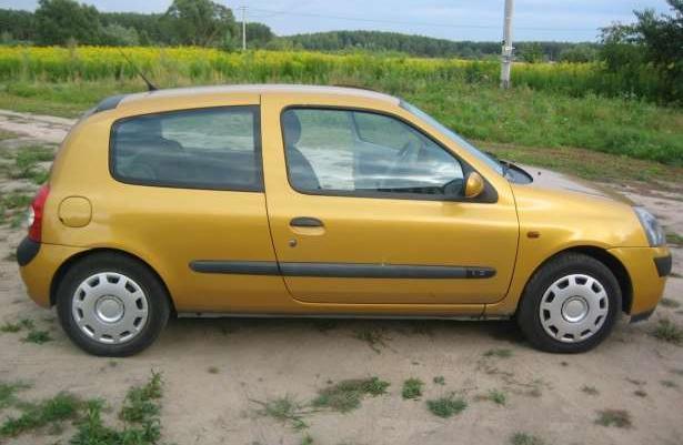 Renault Clio SUPER STAN ZADBANY 2001