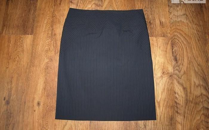 Spódnica wełna 100% na podszewce nowa Nowy produkt