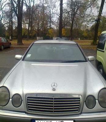 Sprzedam lub zamienie Mercedesa na tańsze z dopłatą dla mnie