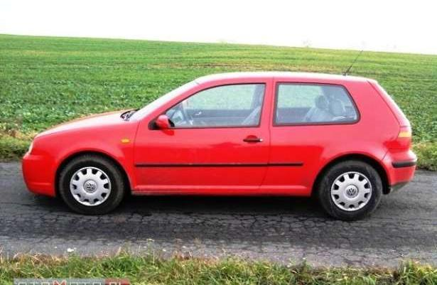 VW Golf IV rok 99, opłacony do września, książka serwisowa, benzyna:)